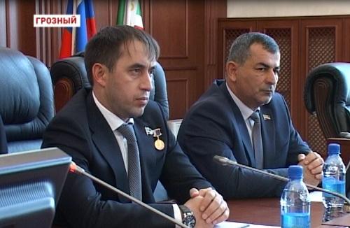 В Парламенте Чеченской Республики состоялось торжественное заседание, посвящённое Дню мира