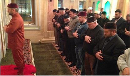 Рамзан Кадыров просит призывать верующих в мечети