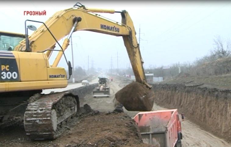 Строительство дороги Грозный-Ведучи - одна из важнейших задач 2013 года