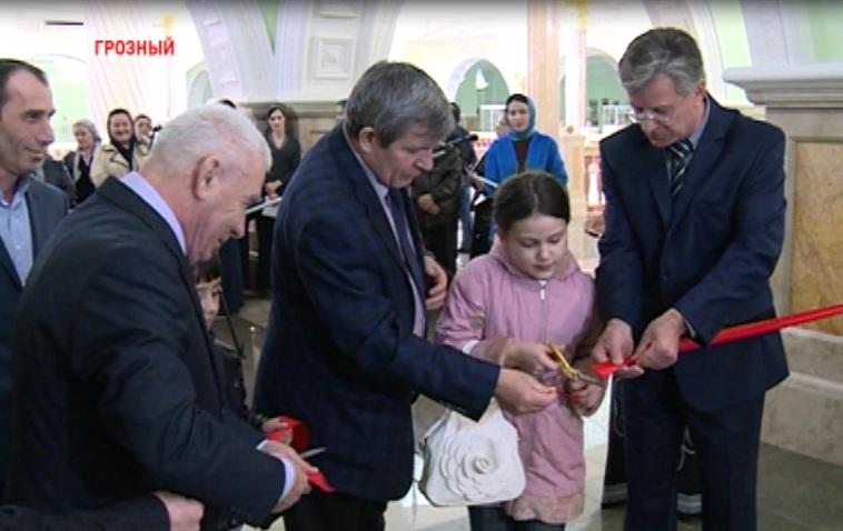 Выставка чеченских мастеров живописи и графики открылась в Грозном
